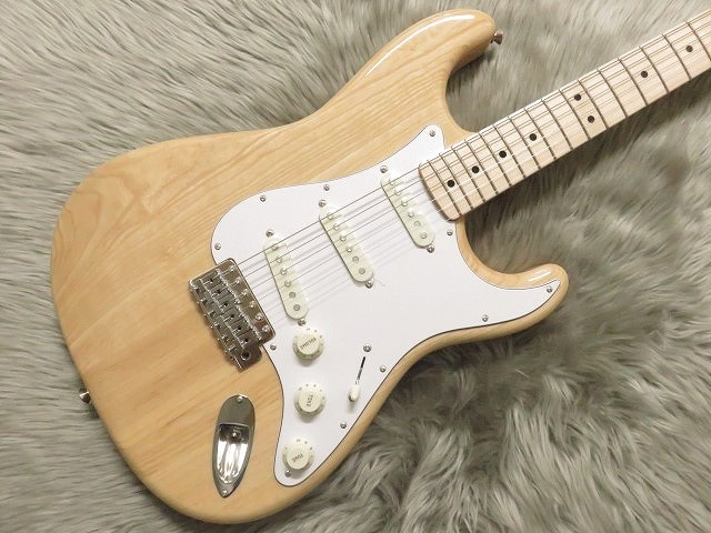 Fender TRADITIONAL 70S STRATOCASTER? ASH Natural