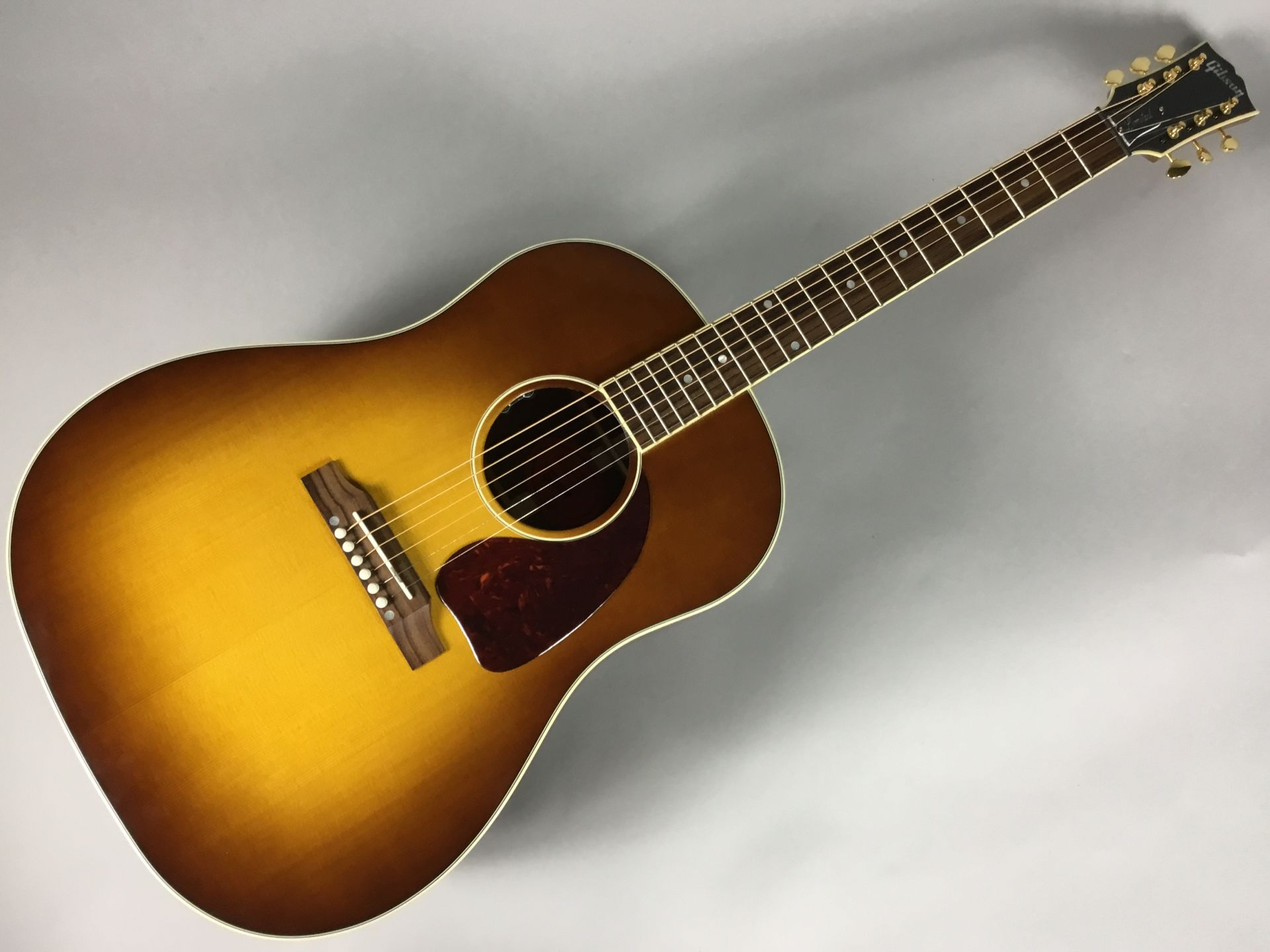 Gibson                   J-45 KOA Honey Burst(HB)