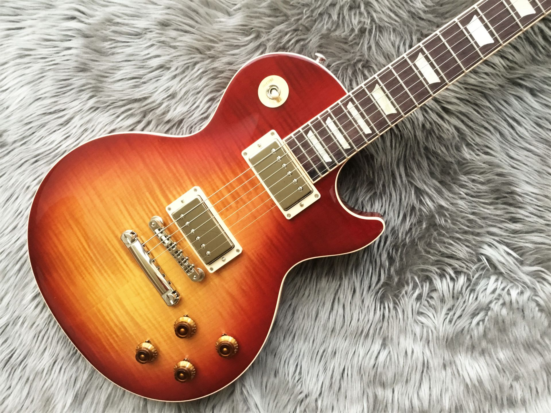 Gibson                   Les Paul Traditional 2019 SB