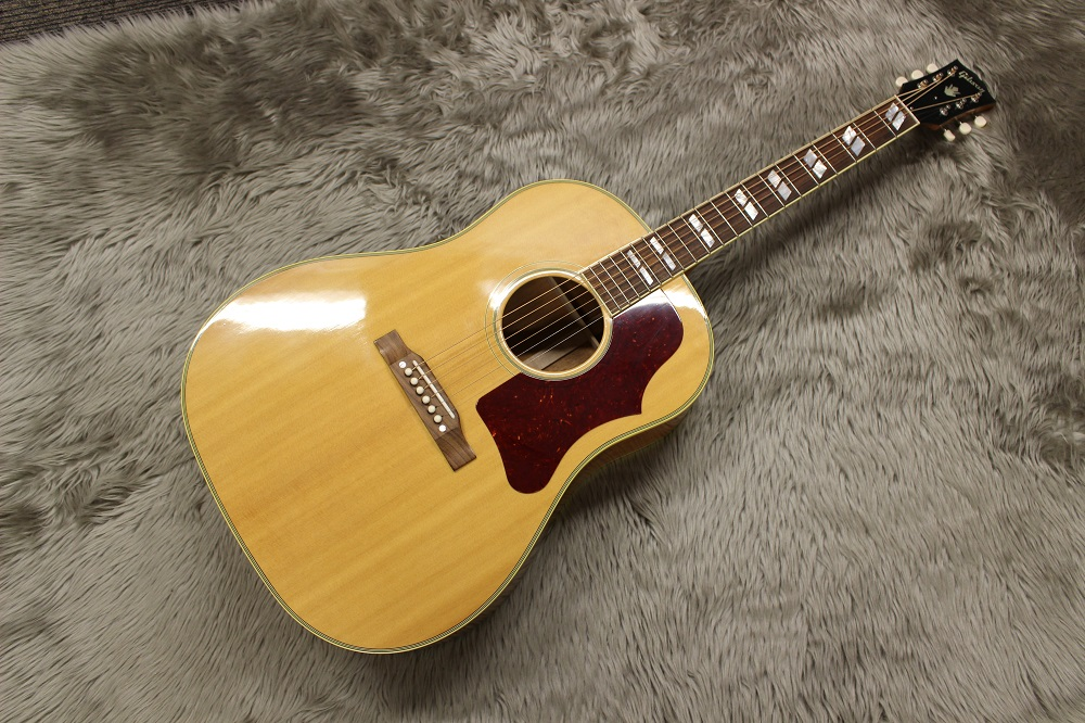 Gibson                   SOUTHERN JUMBO NAT TAN(Triple Antique Natural)