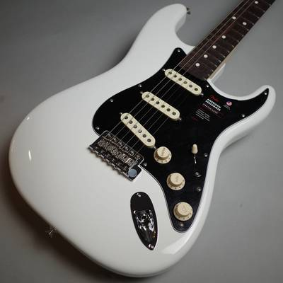 Fender )American Performer Stratocaster Rosewood Fingerboard Arctic White